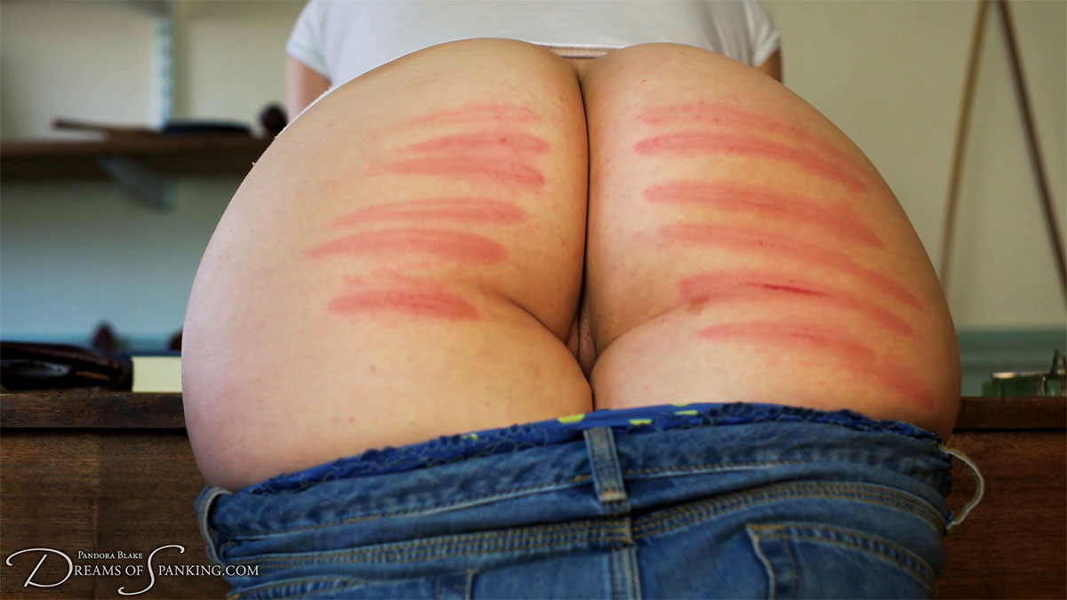 Pandora Blake gets six of the best at Dreams of Spanking
