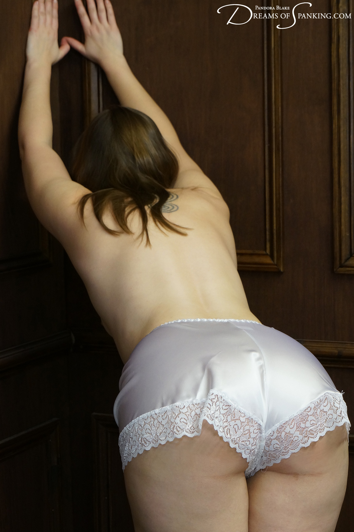 Pandora Blake in full French knickers at Dreams of Spanking