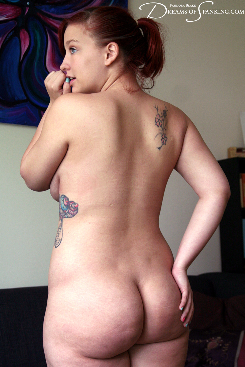 Tattooed milf but naked