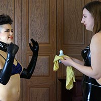 Behind the scenes photo 2 from Meet Ms Vixxxen at Dreams of Spanking